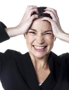 jeune femme d'affaires stress ennuis